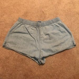 Chambray elastic shorts